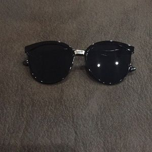 Accessories - Cat eye sunglasses.